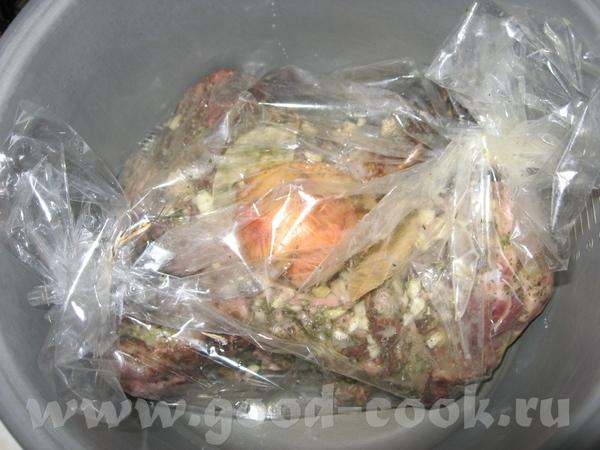 Язычки свинные, запеченные в рукаве два язычка свинных, посолила, поперчила, чесночку 2 зубчика мел...
