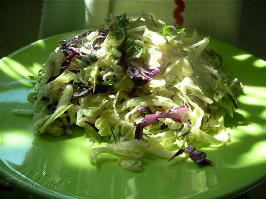 Салат Maison с голубым сыром 1/3 салата Айсберг(мелко нашинкован) 1/4 красной капусты (мелко нашинк...