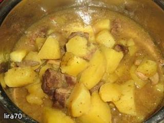 Картошка с говядиной и грибами