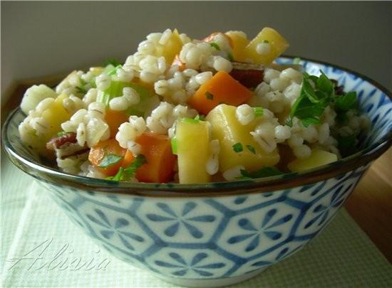 Сегодня разгрузочный день, еда легкая состоит из овощей с злаков