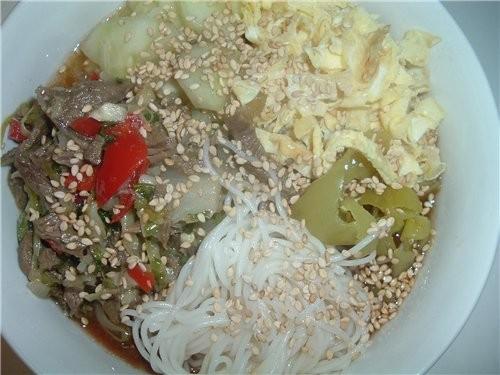 """""""Кук-си"""" Кусочки курицы,рис с соя спусом,суши и салат из морепродуктов с ресторана"""