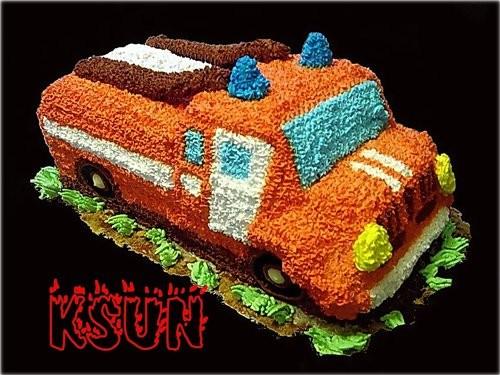 Торт пожарная машина из крема