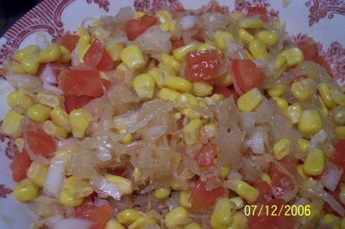 Салат солнышко: кислая капуста - 200 гр