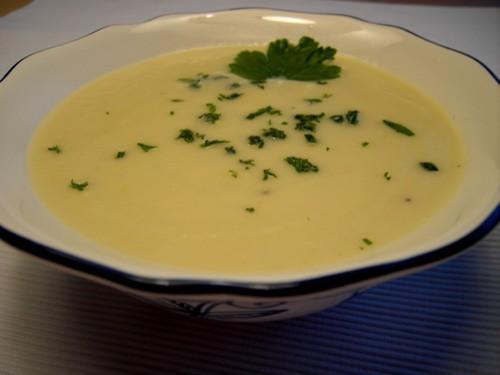 Давно я свои обеды-ужины не ставила, надо исправляться Суп сливочный из корня сельдерея от Нелли Ку...