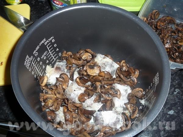 Рыба с грибами в плавленом сыре У меня была замороженая рыба 2штуки (Макроронус) - 3
