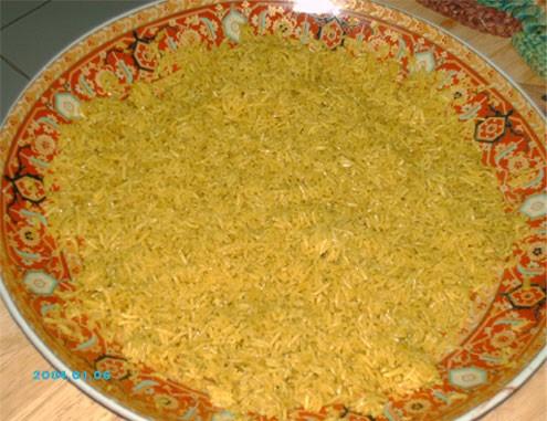 Девочки, а вот мой обед сегодня - Рыба со специями, запечённая в духовке, Жёлтый рис на гарнир и са... - 2