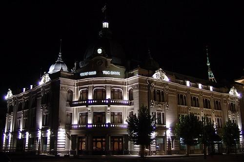 Девчата, хочу показать вам немного красивого ночного Тбилиси