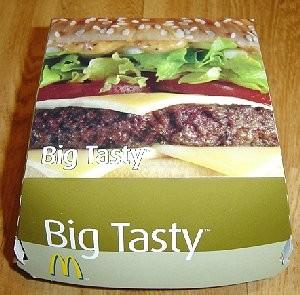 Royale beef burger met kaas, tomaat, verse uitjes, sla en een speciale grillsaus op een extra groot... - 2