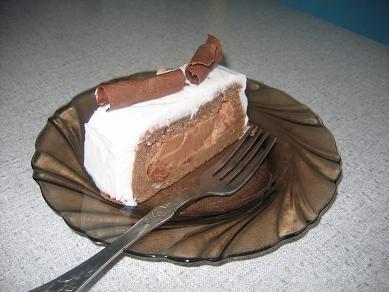 а у меня не получился этот торт,бисквит плохо поднялся,но самое страшное случилось с суфле-с белым...