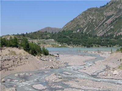 А теперь немного окрестностей Алматы Большое Алматинское озеро: Аксайское ущелье, мужской монастырь... - 7