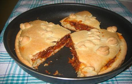 на днях я делала пирог с капустой,ничего особенного-просто мой первый опыт с хрущевским тестом
