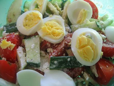о напомнила у меня как раз пачка лежит как лаком накрашено мой ужин салат люблю когда крупно овощи...