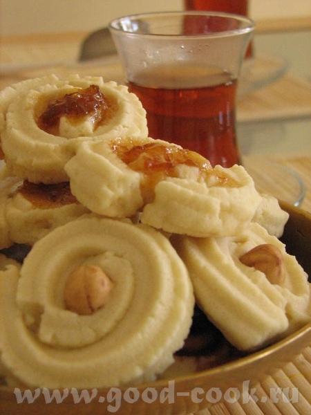 Я делала по рецепту Гули Курабие Бакинское Вышло очень вкусно, я делала с фундуком, абрикосовым и в...