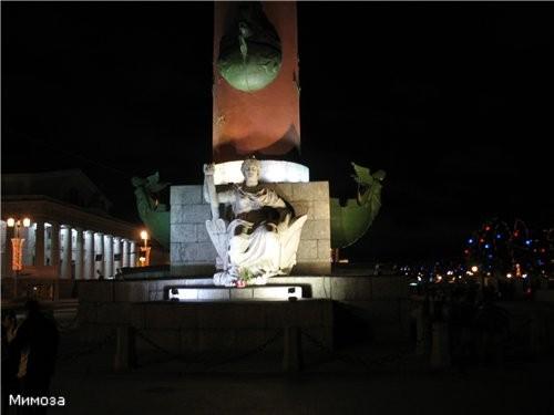 Подсветка Ростральной колонны