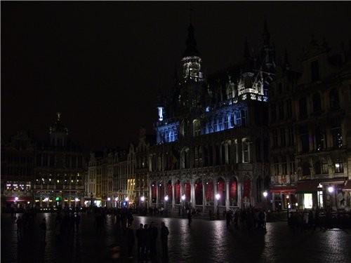и ещё несколько фото ночного Брюсселя это главная площадь
