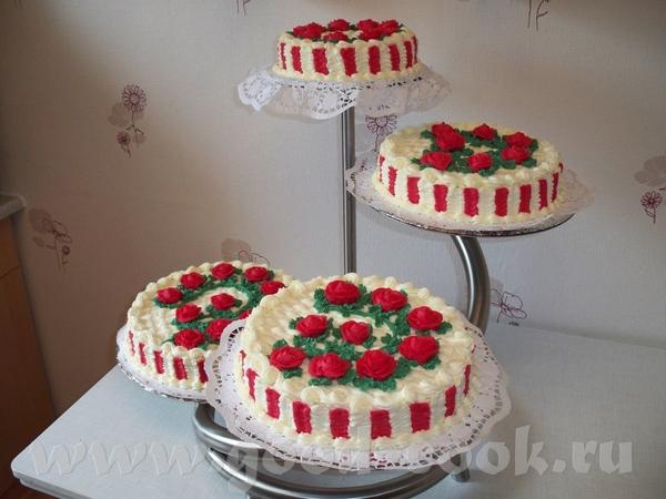 а это первая попытка свадебного торта,дизайн выбирали заказчики,к сожалению нет фото полностью гото...