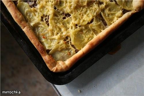 Тесто на Пиццу: 200 грамм муки (правда я ложу до тех пор пока не перестанет прилипать к рукам) 1 ча... - 6