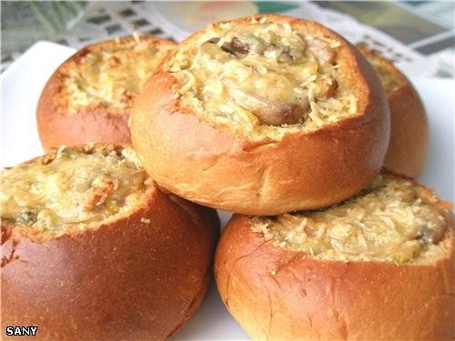 Булочки с курицей и грибами в духовке рецепт