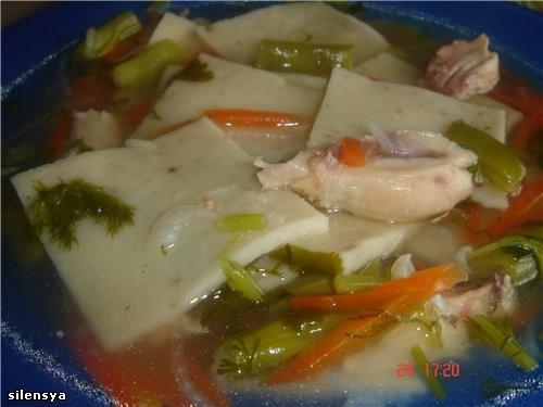 """Девочки, присоединяюсь к вашим вкусным блюдам: """"Куриный суп с лапшой в азиатском стиле"""" из журнала..."""