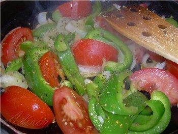 Семга с перцем и томатами в прованских травах 4 стейка семги (или лосось,форель) 1 большой зеленый... - 5