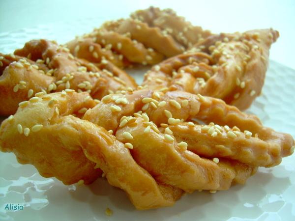 Недавно попробовала рецепт, который давно искала, это замечательная восточная сладость с легкой воздушно-хрусткой структ...