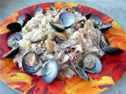 А у нас сегодня на обед ризотто с морепродуктами, проба пера так сказать