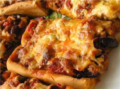 Открытый пирог с фасолью и фаршем Рулет из лаваша со шпинатом, брынзой и грибами