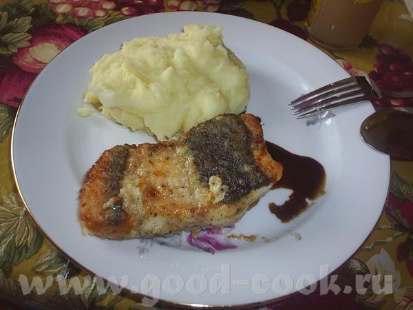 жаренная осетрина с картофельным пюре и наршарабом