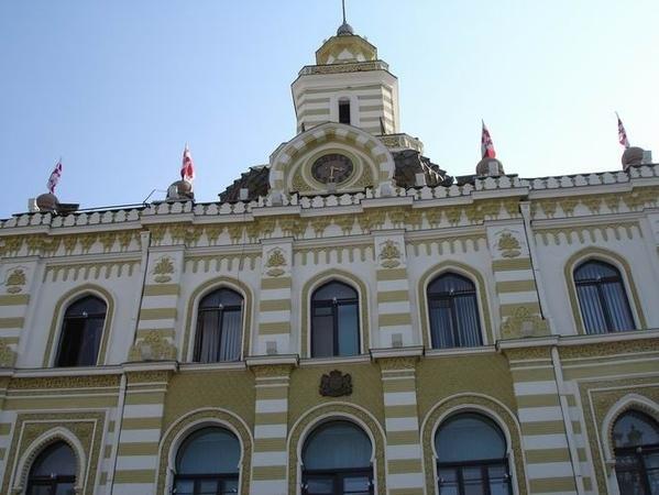 Так теперь выглядит площадь Свободы: Слева вы видите здание отеля и бизнес-центра Мариотт, который... - 2