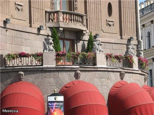 """Здание """"Астории"""" поближе Рядом с отелем """"Астория"""" находится здание гостиницы """"Англитер"""", где погиб..."""