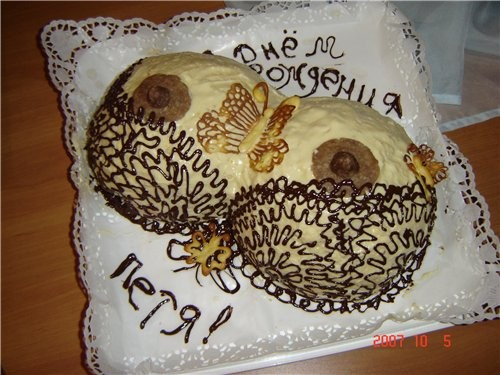 Вот хочу показать тортики, которые я пекла моему знакомаму на Юбилей
