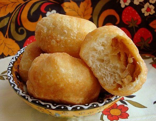 Жаренные пирожки с фасолевой начинкой