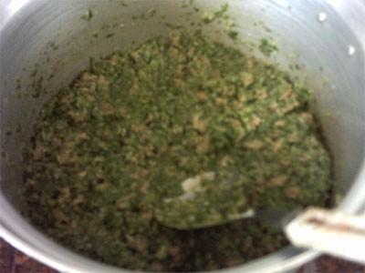 ДАЛЕЕ затем листья мангольда измельчить очень мелко(я измельчаю в блендере)и выложить в кастрюлю ча... - 2
