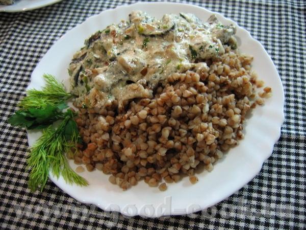 Грибы, тушёные в сметане, с зеленью почти как у Марины-Emerald Свежие лесные грибы ( сибирские ) по... - 2