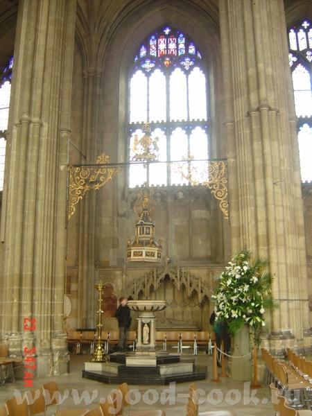 в 16 веке Генрих VIII (парень с привычкой жениться, я о нем уже упоминала) заявил, что Томас Бекет...
