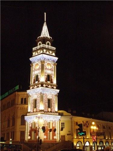 Подходим прямёхонько к одному из самых заметных архитектурных памятников города — сигнальной башне... - 2