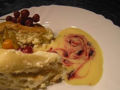 Креветки со сливками На десерт тортики, которые вчера приготовила, сейчас в разрезе - 2