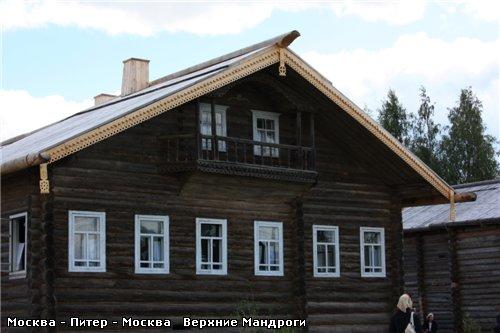 А эти дома вывезены из разных северных деревень и собраны в Мандрогах