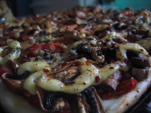 мы на выходные ездили на пикник,даже просто на прогулку я пекла несколько пицц,хороший рецепт теста...