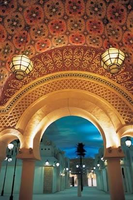 Летом в Дубае открылся очень красивый центр - Ибн Баттута, названный так по имени путешественника,...