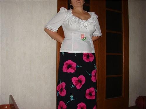 Блузка в баварском стиле, тоже хлопок, роза вышита крестом