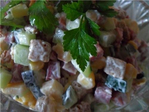 Салат с кириешками Приятного аппетита