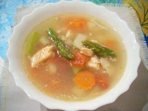 Суп с золотой форелью и овощами