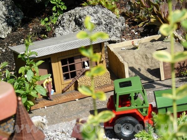 Во дворе дома железная дорога - 7