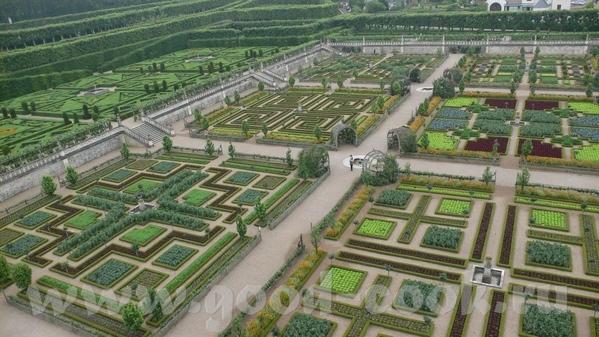 Но самым примечательным в данном замке был сад - 2