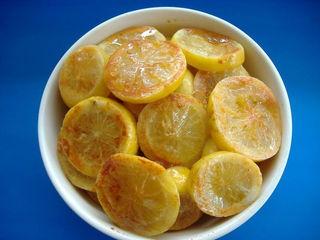 ну вот и я прЫперлась со своими солеными лимонами ,принимайте рецепт