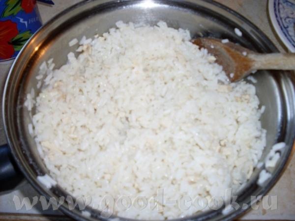 пирожки из слаёного теста с рисом