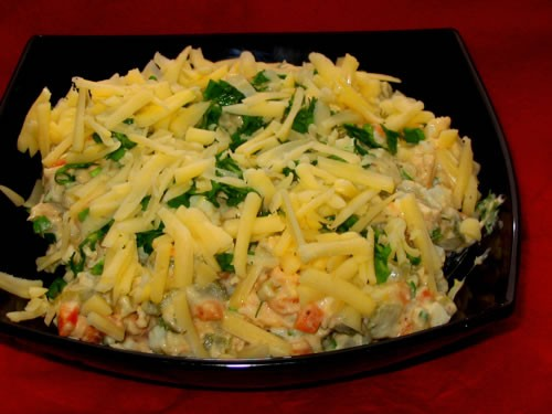 """""""Оливье-2"""" вареный картофель вареная морковка вареная грудка кубиками яблочко огурчик маринованный..."""