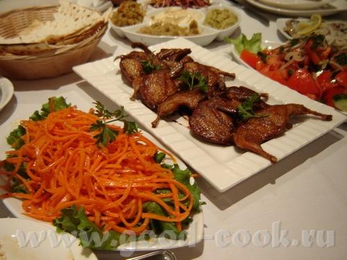 Сначала были закуски: хумус мтаабль салат из капусты Наташ,что там с перцем-то - 3