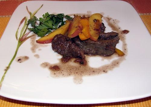 Вчера на ужин жарила мясо, говядину, по-быстрому надо было семью накормить